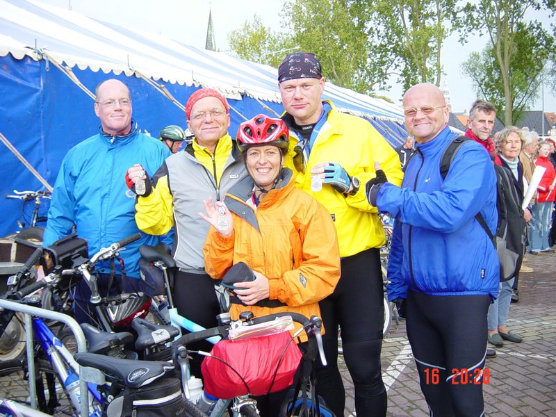 De Rebels at the finish of the Elfstedentocht 2005