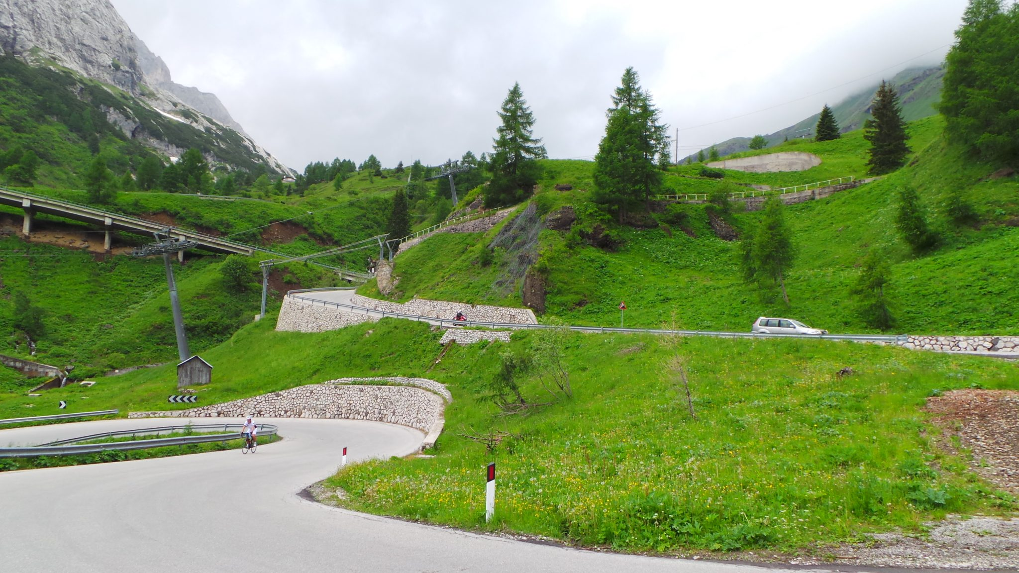 Giro 2015 - nice but steep hairpin section